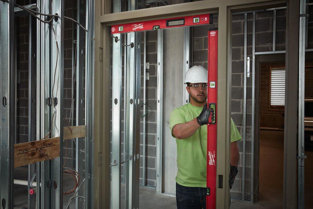 A Milwaukee® REDSTICK™ vízmértékek iparágvezető tartósságot és garantált pontosságot biztosítanak